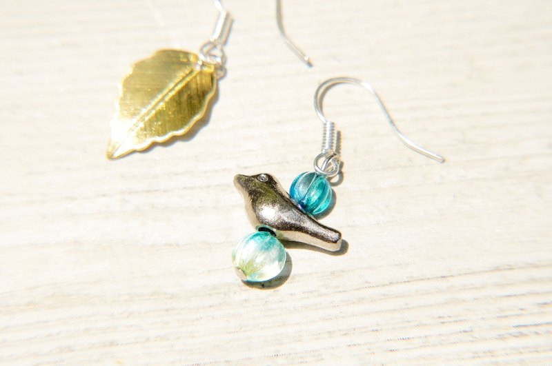 / Simple sense / retro brass silver glass earrings - glimmer of happiness bird (cramping / ear pin)