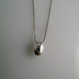 In January 2013 the latest design duo FUHSIYATUO 芙西雅 Luck In Life Silver Pendant
