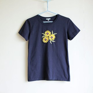 Hand Knitted Flowers T-shirt No.4 (Only one)