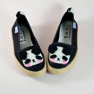 Cotton canvas hand made shoes, panda, cat and bear models have a woven section