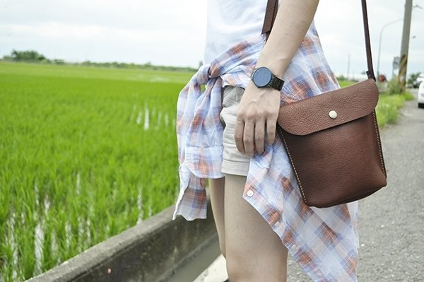 "COWFT red light coffee color leather shoulder bag ""little money"""