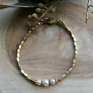 Simple Elegance Triple Pearls Bracelet