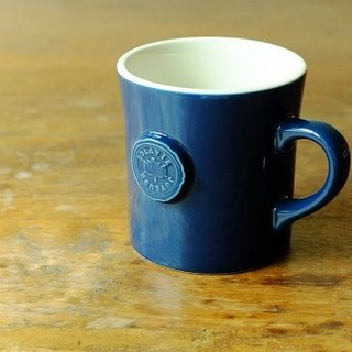 Japan IZAWA RELIEF quiet elegant navy blue mug * Get heavy cotton drawstring bag, specially printed box, when buying a wedding gift for a cup!