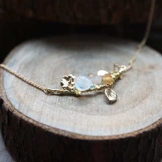 Super beautiful quality natural fat teardrop-shaped moonstone blue with orange agate stone, golden flower branches gilded necklace