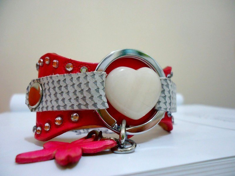 The Leather Bracelet of pink color