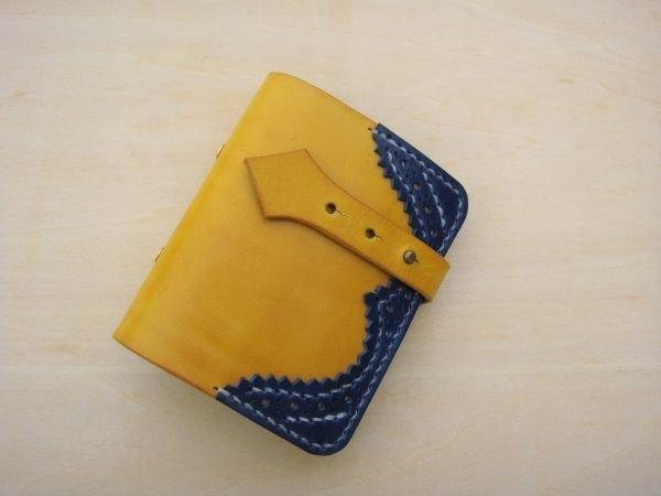 [ISSIS] 真皮全手工英國牛津雕花卡票本 -- 黃藍