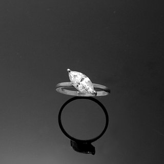 Resh Reshi / 5x12mm Horse Eye Single Diamond Zircon Ring / 925 Sterling Silver