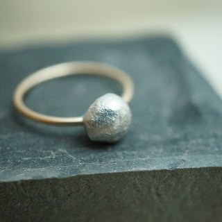 【janvierMade】Dainty 12K Gold-Filled and Sterling Silver Ring / Artisan Minimalist Ring / 925 Sterling Silver and Gold-Filled Handmade