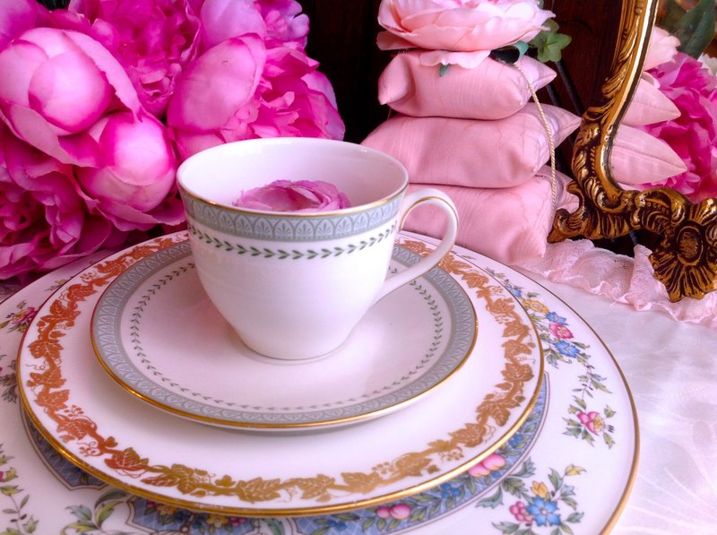 ♥ ♥ Annie crazy Antiquities British bone china wedgwood Group Royal Doulton 1935 Nian antique gold mugs flower cup two groups - inventory