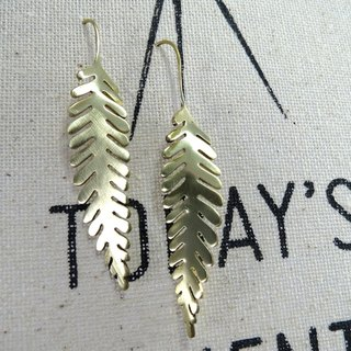 Bending Leaf earring