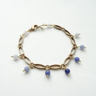 ::Mediterranean Eyes:: Dancing Sodalite, Blue Lace Agate Beads Copper Bracelet