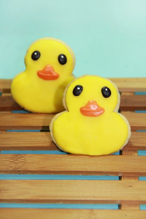 JMI Handmade Bakery yellow ducklings - handmade chocolate biscuits (6 in)