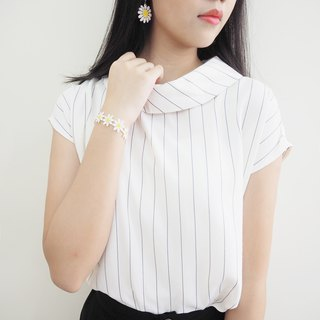 White with blue stripe Anti-collar shirt