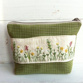 Hand Embroidery - Makeup Universal Bag (Plant Wildflowers)