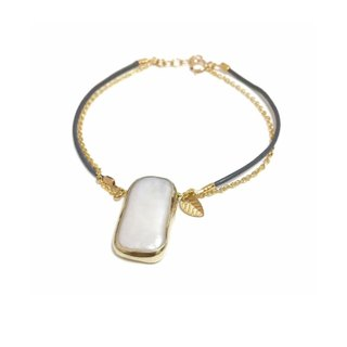 Trendy Bezel Pearl Leather Bracelet