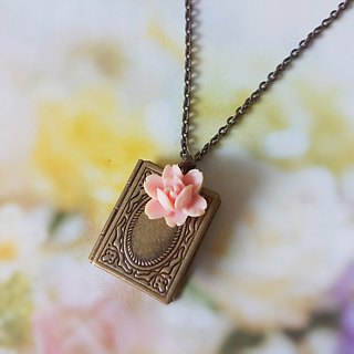Classical phase box necklace book