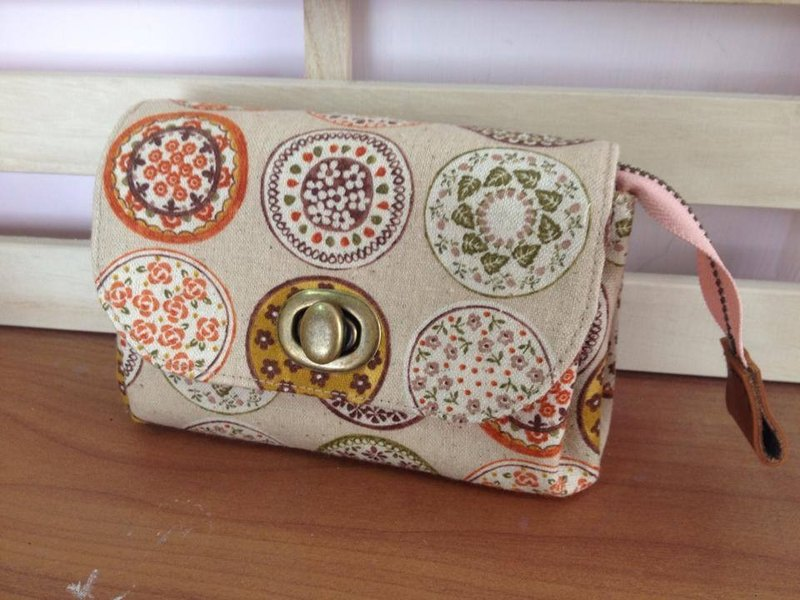 Clare cloth hand made * Japanese short clip / Clutch - brown line kaleidoscope