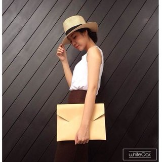 Cream postman clutch / Birthday Gifts / Exchange Gifts / Graduation Gifts