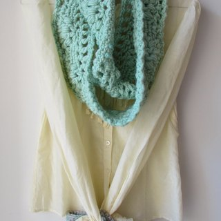 Peppermint candy crunchy almonds - pure wool hand-crocheted scarves circle + Tote