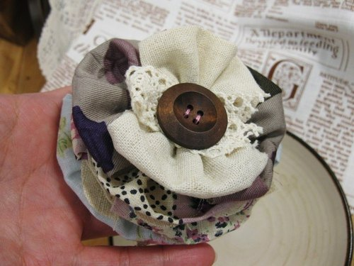 muso: cotton cloth lapel flower cloth and wooden buttons back attached copper pintle Fabric Corsage Brooch