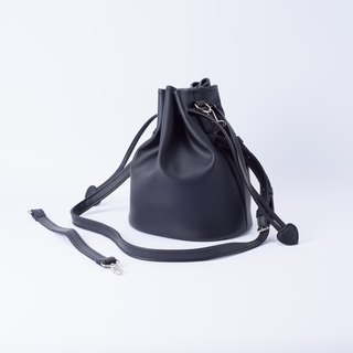 Bundle of candy big bucket bag portable shoulder and can replace Black / wild black