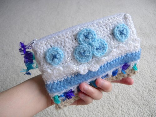 Hand Crochet cell phone bag / cosmetic bag / zipper bag - blueberry cake taste
