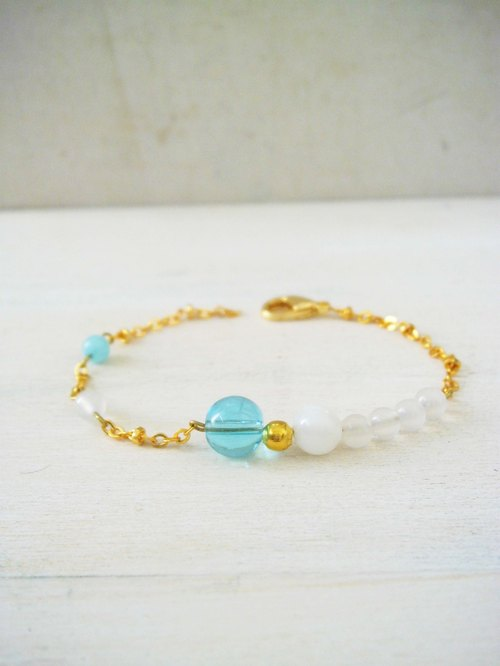 Milky white clam agate stone Glass simple personality 24K gold crystal bracelet natural stone