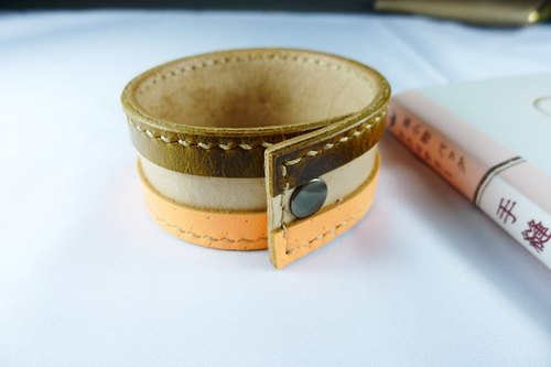 Pop style leather bracelet