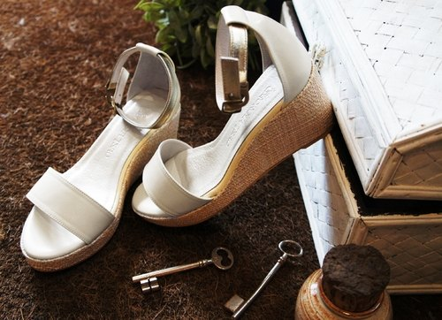 White full leather wedge sandals (Pre)