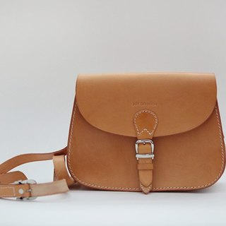 Original handmade leather tanned tanned leather retro ladies bag saddle bag brown