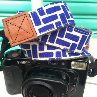 ﹝ Clare ﹞ vintage hand-made cloth blue geometric print camera strap