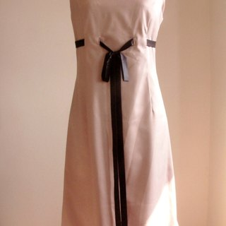 Significant lanky waist ribbon dress - red bean paste color