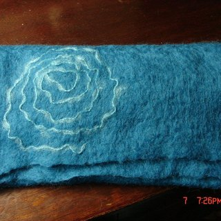 Sheep blankets Blue Rose Scarf