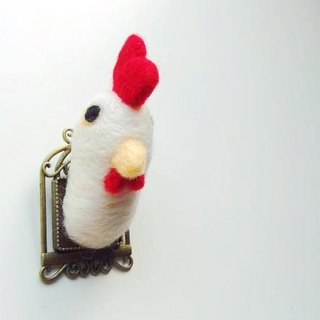 Mr. Mew in Wonderland ─ wool felt Cuckoo white rooster head pin