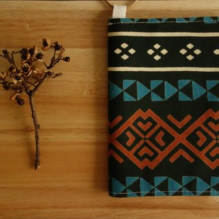 Kyoto fabric Passport Holder - Totem (Black)