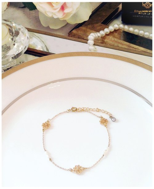 ∴Minertés = classical gold with pearl flower ‧ ‧ ‧ zircon gold-plated anklet = ∴