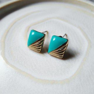 Time Travel vintage reserve pin earrings【A touch of blue-green】