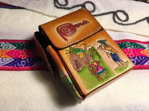 Peruvian style leather smoke stereo / lighter box