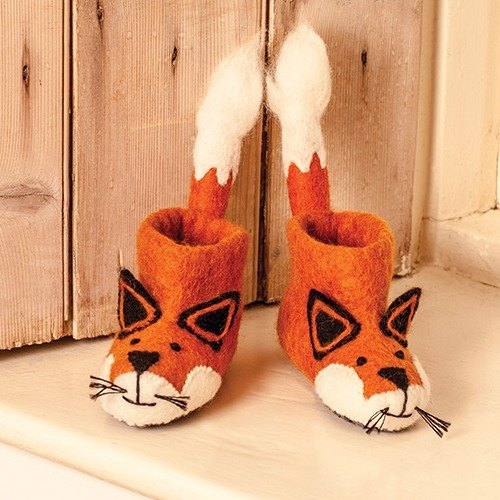 Warm indoor shoes / births ceremony ► British sew heart felt small goat grazing felt shoes - Finley little fox