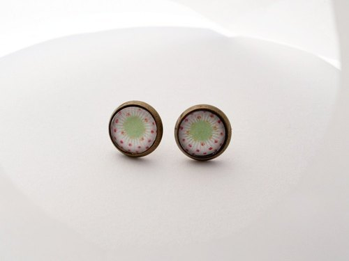 ♥ ♥ OldNew Lady- made a small gift bronze small round earrings - light green peach radiation section []