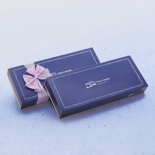 <Product Taiwan handmade desserts> sorghum dark blue gift box of truffles