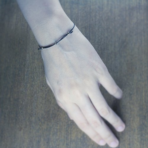 ✡ care machine - silence black fine line ✡ deep black stretch rope knot wax line bracelet