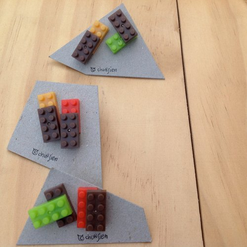 ● You can play a detachable earrings earrings [red yellow and green blocks]
