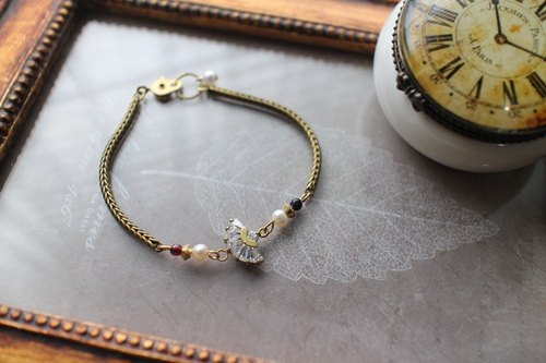 Vienna - sector neoclassical CZ / Natural Stone / Freshwater Pearl / Brass Bracelet