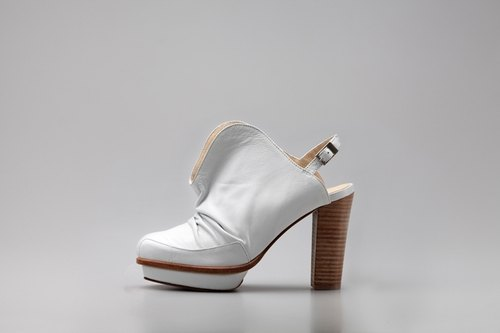 ZOODY / eclosion / handmade shoes / high-heeled sandals / white