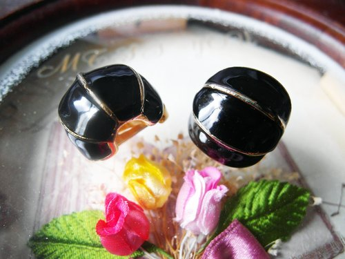 Japanese antiques complex product when the original clip earrings [sad]