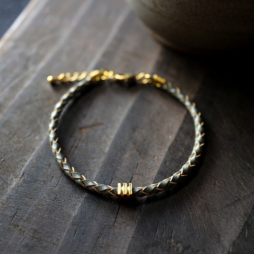 Muse neutral gray series NO.7 simple brass braid leather bracelet