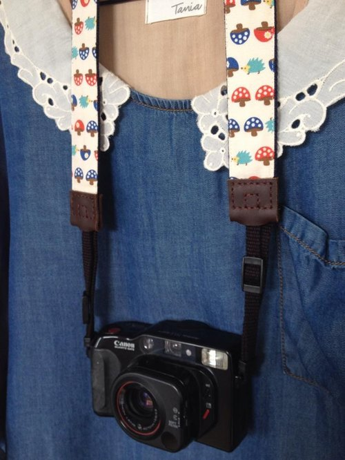 ﹝ Clare handmade cloth ﹞ mushrooms pattern playful style camera strap