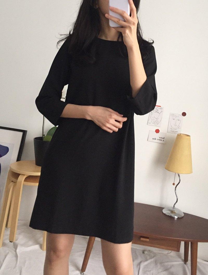 Cos Dress 黑色極簡主義一字七分袖洋裝