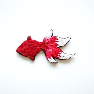 Red glass goldfish hand embroidery brooch